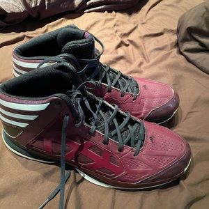 Adidas CLE  CAVS wine Adidas 🏀 shoe size 12 Men